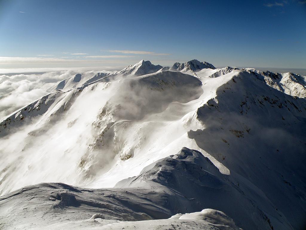 https://www.karpaten-offroad.de/wp-content/uploads/2018/05/ski-image-06.jpg