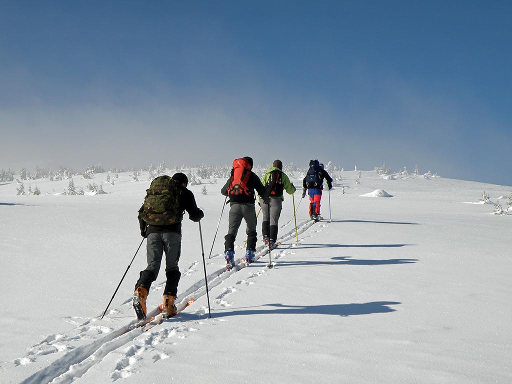 https://www.karpaten-offroad.de/wp-content/uploads/2018/05/ski-image-10.jpg