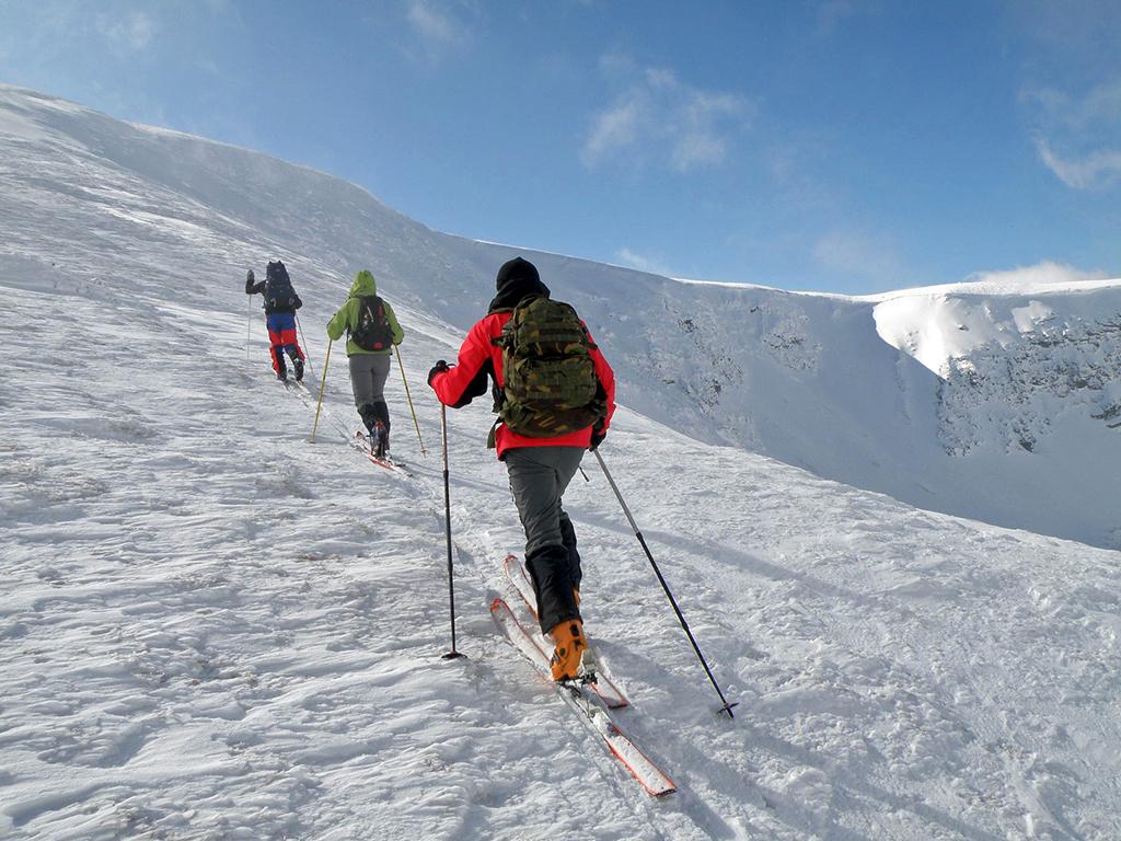 https://www.karpaten-offroad.de/wp-content/uploads/2018/05/ski-image-13.jpg